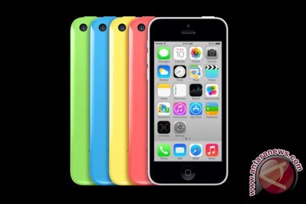 Apple Inc Memangkas Produksi Ponsel Versi 5c