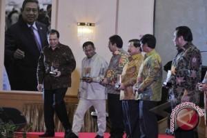 Antara Anugerahi 13 Penerima Award
