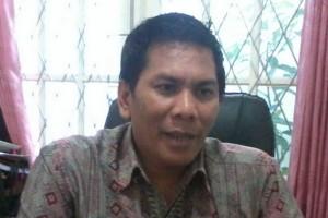 Bawaslu Kalbar tertibkan atribut peserta Pilgub