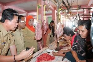 Ditemukan Daging Tak Layak Konsumsi Dijual di Sintang