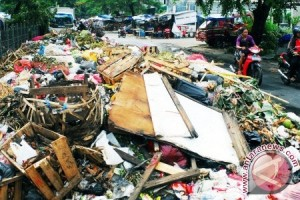 Warga Perbatasan Minta Dibangun Tempat Pembuangan Sampah
