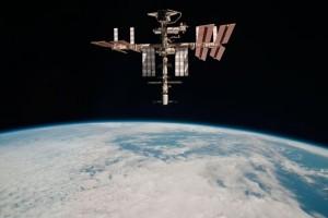 Astronot AS Jalan-jalan di Luar Angkasa