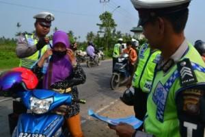 Satlantas Sambas : Jangan Berikan Motor Kepada Anak