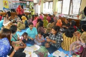PLN Kalbar Gelar CSR di Entikong