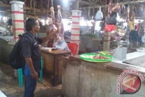 Pasca Kenaikan BBM, Daging Sapi di Landak Sepi Pembeli