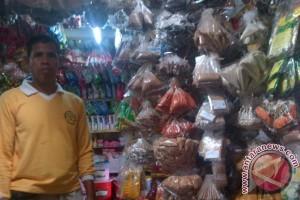 Pemkot Singkawang Bantu Sembako 50 Lansia