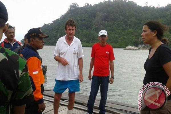 Dua Warga Asing Yang Terdampar Kini di Sukadana - ANTARA ...