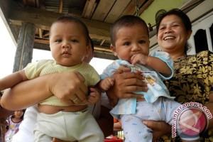 Pakar: Pasangan Dini Kerap Bingung dalam Perawatan Bayinya