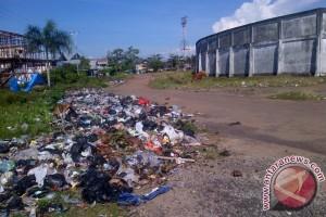 Kurangi Sampah Bersama Cacing