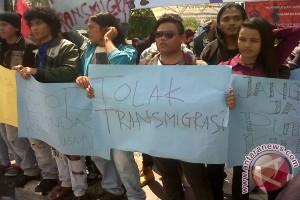 Aliansi Masyarakat Kalbar Demonstrasi Tolak Transmigrasi