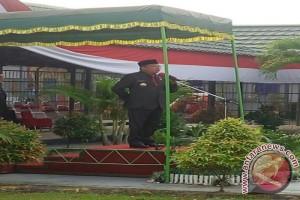 Gubernur Sesalkan Masyarakat Tidak Pasang Bendera