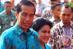 Jokowi Akhiri 2015 Bersiap Hadapi MEA