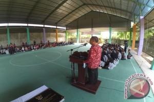 Wali Kota Pontianak Resmikan Lapangan Futsal Di SMKN 6