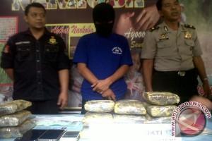 Polisi Ungkap Pengiriman Ganja Dikendalikan Napi