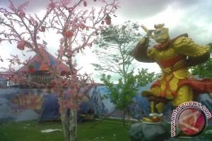 Taman Sun Go Khung Singkawang Meriahkan Cap Go Meh