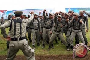 Satpol-PP Pontianak Angkut Pelajar Santai di Warkop