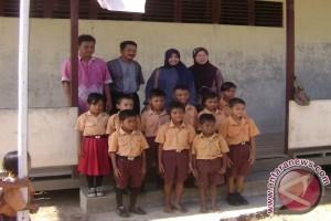 200 Pelajar se-Kalbar Upacara HUT RI di Karimata