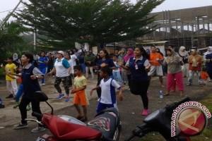 Mahasiswa Ners Untan Senam Bersama Warga Mega Timur