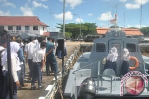 Siswa SMPN 1 Singkawang Kunjungi Mako Lantamal Pontianak