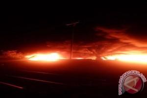 Pipa Terbakar Putuskan Jaringan Listrik ke Kayong Utara