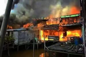 Kubu Raya Salurkan Bantuan Untuk Korban Kebakaran