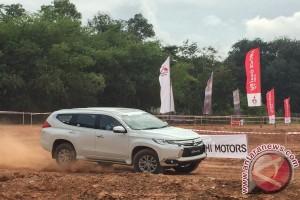 Pajero Sport dan Triton Juara dunia Rally Dakar