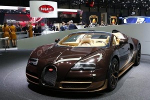 Remaja 13 tahun Ngebut 325 Kilometer per jam dengan Bugatti