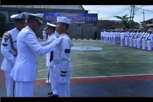 Prajurit Lantamal Pontianak Menerima Tanda Kehormatan