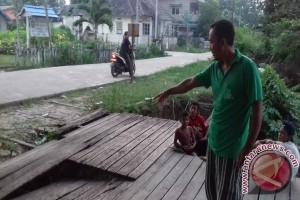 Dermaga Puskesmas Pulau Tayan Butuh Perbaikan