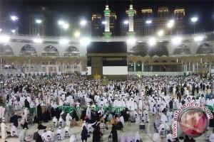 124 Calon Jemaah Haji Sintang Diberangkatkan