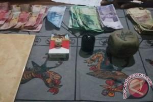 Polisi Tangkap Penjudi Liong Fu di Pinyuh
