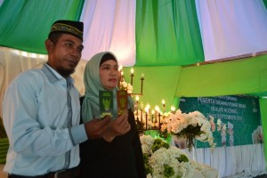 Buku Nikah Untuk Pasangan TKI Haris-Siti