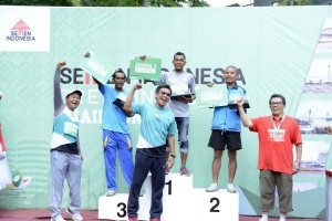 Kejuaraan Lari 10 KM Putra Semen Indonesia Green Industry Trail Run 2016.
