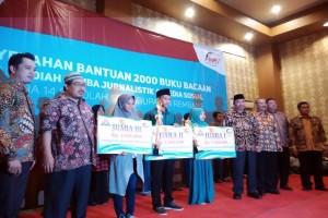 Semen Indonesia Berikan Bantuan 2.000 Buku Bacaan Untuk 14 Sekolah di Kabupaten Rembang
