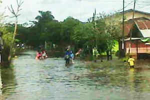 Korban Banjir Singkawang Dipulangkan