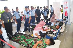 Air Asia Gelar Donor Darah di Bandara Internasional Supadio