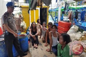 Polair Ketapang Imbau Nelayan Waspada Cuaca Buruk