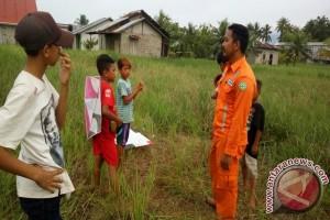 PLN Razia Pemain Layangan di Singkawang