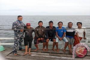 Patkamla Selamatkan Korban Kecelakaan di Teluk Melano