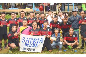 Turnamen Sepak Bola Polit Cup Berakhir