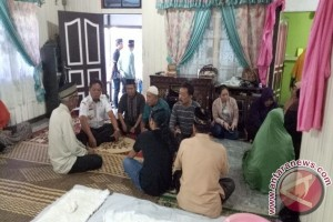 Bupati Sanggau Melayat Istri Ketua KONI