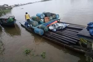 Polres Ketapang Amankan Kapal Motor Bawa Kayu Belian Ilegal