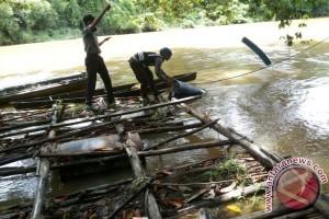 Polsek Bonti Buru PETI di Sungai Sekayam