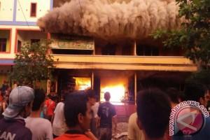 Kebakaran Hanguskan 6 Ruko di Sandai