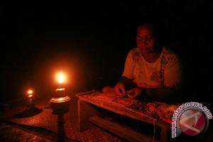 Kemendes Gandeng Swasta Pasok Listrik Desa Terpencil