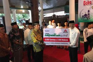 Semen Indonesia Berikan Santunan Kepada 500 Anak Yatim