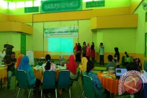 Perempuan Petani Ikut Pelatihan Jurnalisme Warga