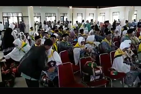 Bupati Sambas Lepas Keberangkatan 307 Calon Jemaah Haji