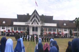 Warga Antusias Saksikan Upacara Bendera HUT RI