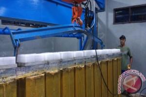 Nelayan Kayong Utara Kini Mudah Peroleh Es Balok